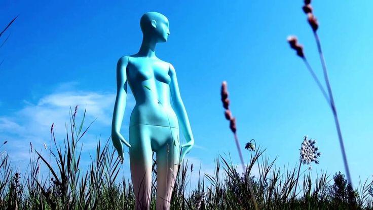 BONAVERI presents the first biodegradable mannequin