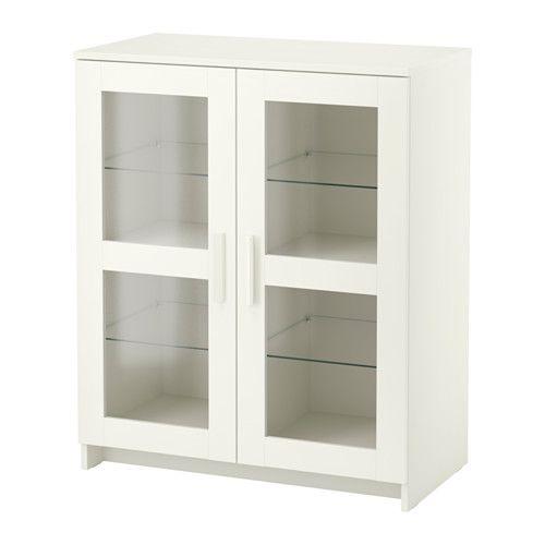 BRIMNES Skap med dører IKEA Bak dørene kan du holde eiendelene dine skjult og fri for støv.