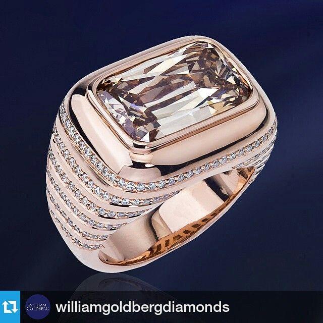 #Repost @williamgoldbergdiamonds ・・・ Enjoy the remarkable beauty of the #ASHOKAdiamond Pinstripe Ring. #WilliamGoldberg #Diamonds #HighJewelry #RoseGold