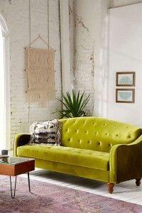 sofá-verde-oliva-terciopelo-urban-outfitters