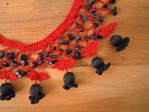Crochet bib necklace red black tulip
