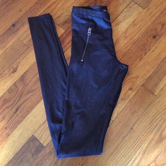 Armani Exchange Leggings AX leggings w/side zipper pockets. Size: XS/TP Armani Exchange Pants Leggings
