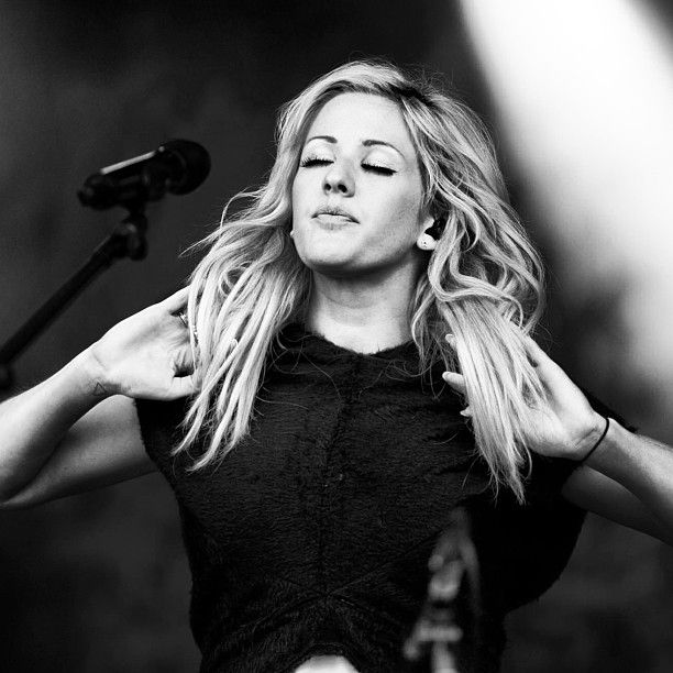 i have such a deep love for ellie goulding that burns like a million suns