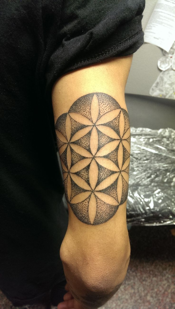 Sacred geometry tat http tattoos for Sacred ink tattoo