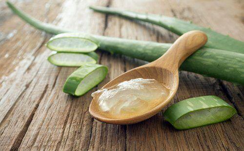 9 remèdes naturels contre les hémorroïdes - Améliore ta Santé