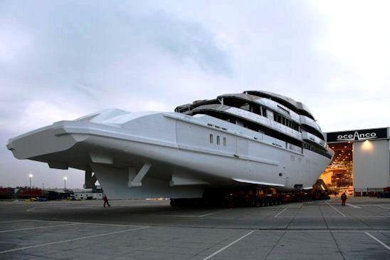 Steven spielberg seven seas yacht steven spielberg 39 s for Motor yacht seven seas