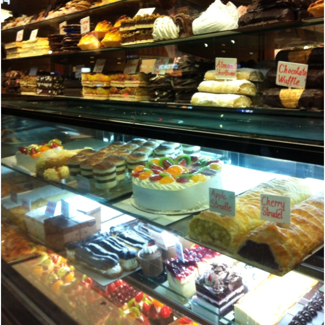 Acland Streer Cake Shop, front window  Melbourne, St Kilda, cakes, bakery, sweets, desserts