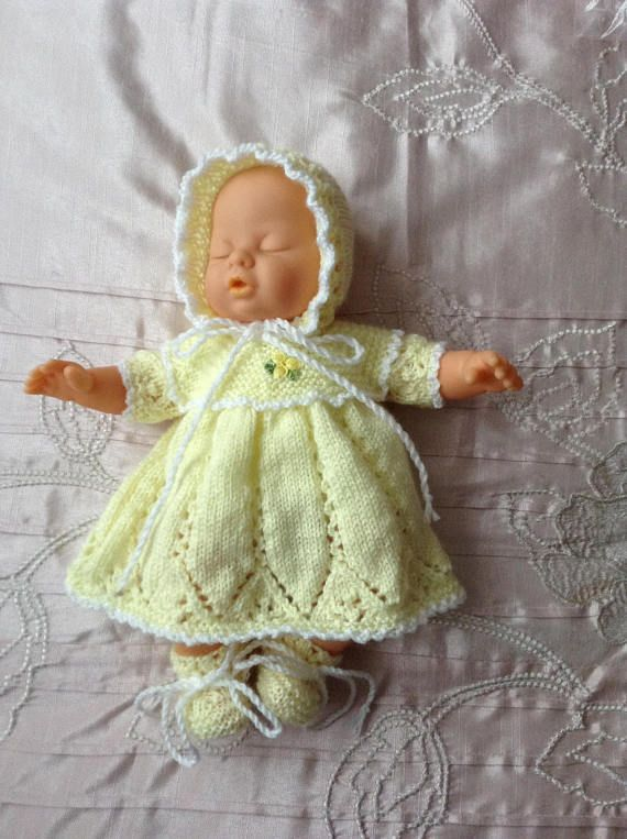 Hand knitted dolls clothes to fit 11/12