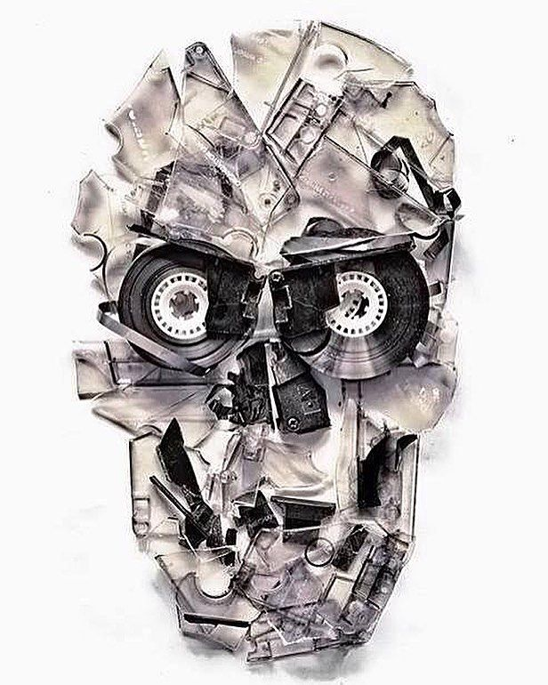 Reposting @heath_holme: Cool 'Art' made with old #cassettetapes  #cassette #cassettes #coolart #art #artistlife #creative #creativity #music #musica #musiclife #techno #housemusic #electronicmusic #skull #skulls