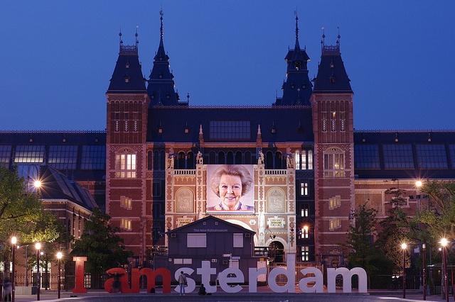 the Rijksmuseum by night.     Photo via Flickr