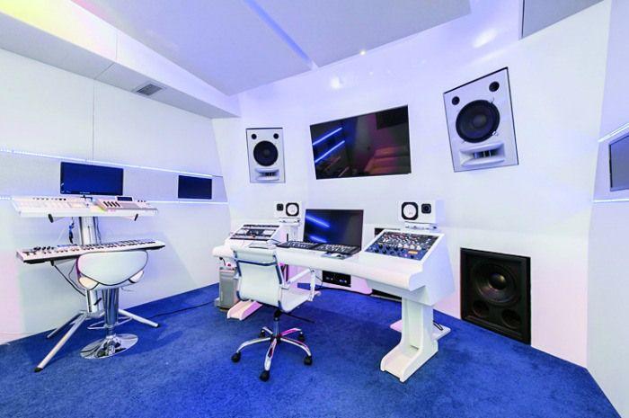 akon-studio