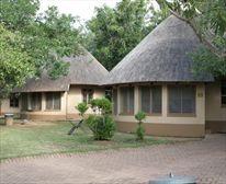 Bungalows at Skukuza Restcamp - Kruger National Park  (I've been here! - bks)
