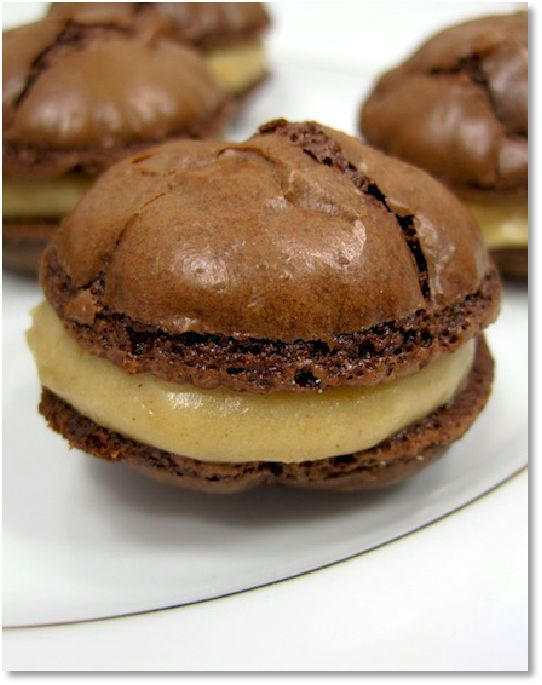 Low FODMAP Recipes Chocolate meringues with caramel cream- Gluten free recipe            http://www.ibssano.com/low_fodmap_recipe_chocolate_meringue_caramel_cream.html