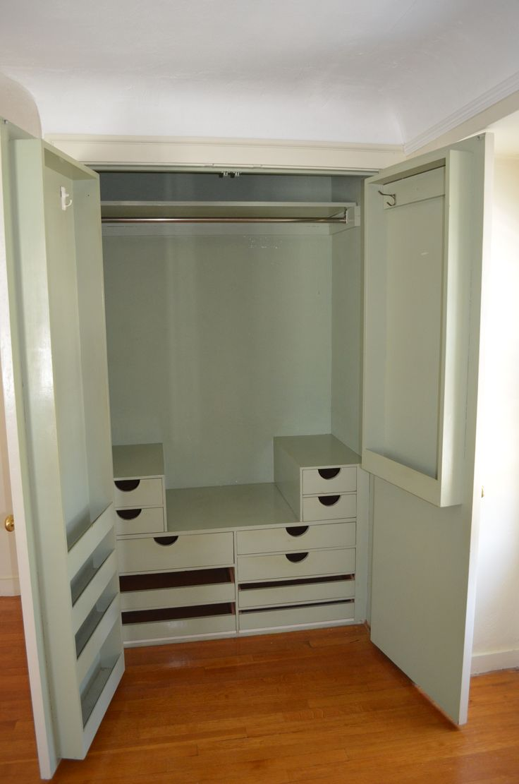 2nd Bedroom Closet
