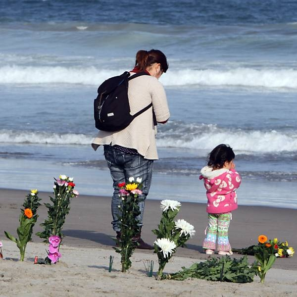Japan pays tribute to the victims of the tsunami.