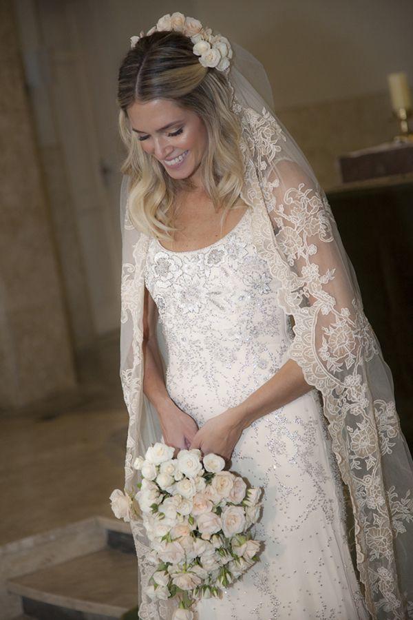 Já posteivárias fotos do casamento deHelena Bordon e Humberto Meireles no Instagram (@constancezahn), mas não poderíamos deixar de mostraraqui no blog a