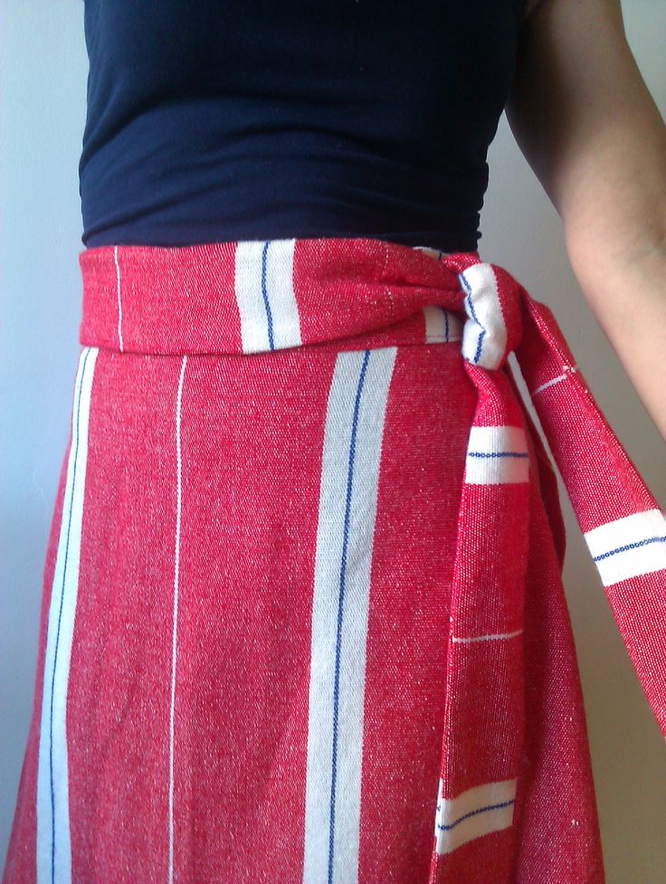 "I made a vintage summer skirt. Pattern from ""Sew What! Skirts"".  http://missppelicano.blogspot.com"