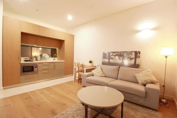 [#3]  (NEW) Gorgeous set-up       Apartment in Ultimo, Australia. Light and airy spacious one bedroom apartment conveniently located in Ultimo, only a short walk into the heart of the CBD, Darling Harbor and Chinatown, UTS and Ian Thorpe Aquatic and Fitness Center.  Minutes walk to Buses and Trains, quick ride t...