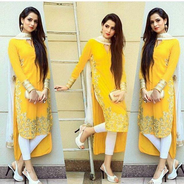 """2,801 Likes, 5 Comments - Punjabi Media (@punjabimedia) on Instagram: """"Sohni Mutiyar Oshin Brar @PunjabiMedia♥♥♥♥ . #oshinbrar"""""""
