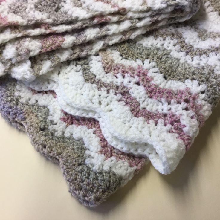 Ripple cot blanket