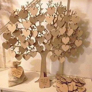Árvore de MDF com corações para assinatura. Orçamento pelo WhatsApp 81)9.9667-7378 Enviamos para todo Brasil Foto: Pinterest #árvore #coracao #casamento #casar #noivas #noiva #noivado #atelie #ateliedluxo #mdf #festa #assinaturas