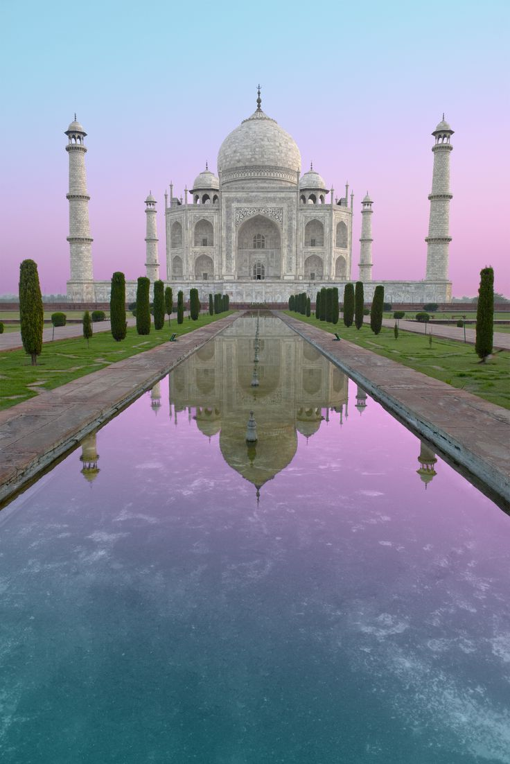7 wonders of the world. travel tips and how to see them. The Taj Mahal, Crown Palace of Love