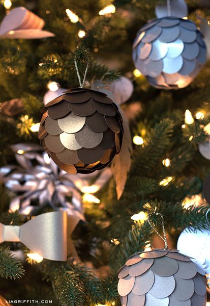 Metallic Paper Ball Christmas Tree Ornament: add these gorgeous paper ornaments to your tree.