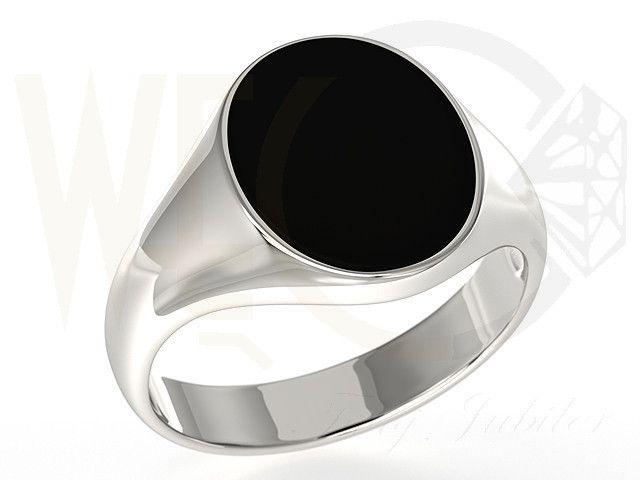 Sygnet ze srebra z czarną płytką onyksu / Signet ring made from silver / 224 PLN / #silver #signet_ring #srebro # bizuteria #sygnet #jewellery #jewelry