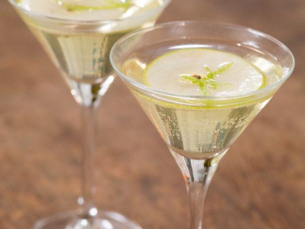 Aprenda a fazer um Martini de Limão e Maçã para ocasiões especiais e surpreender a todos. Chef: Giada De Laurentiis