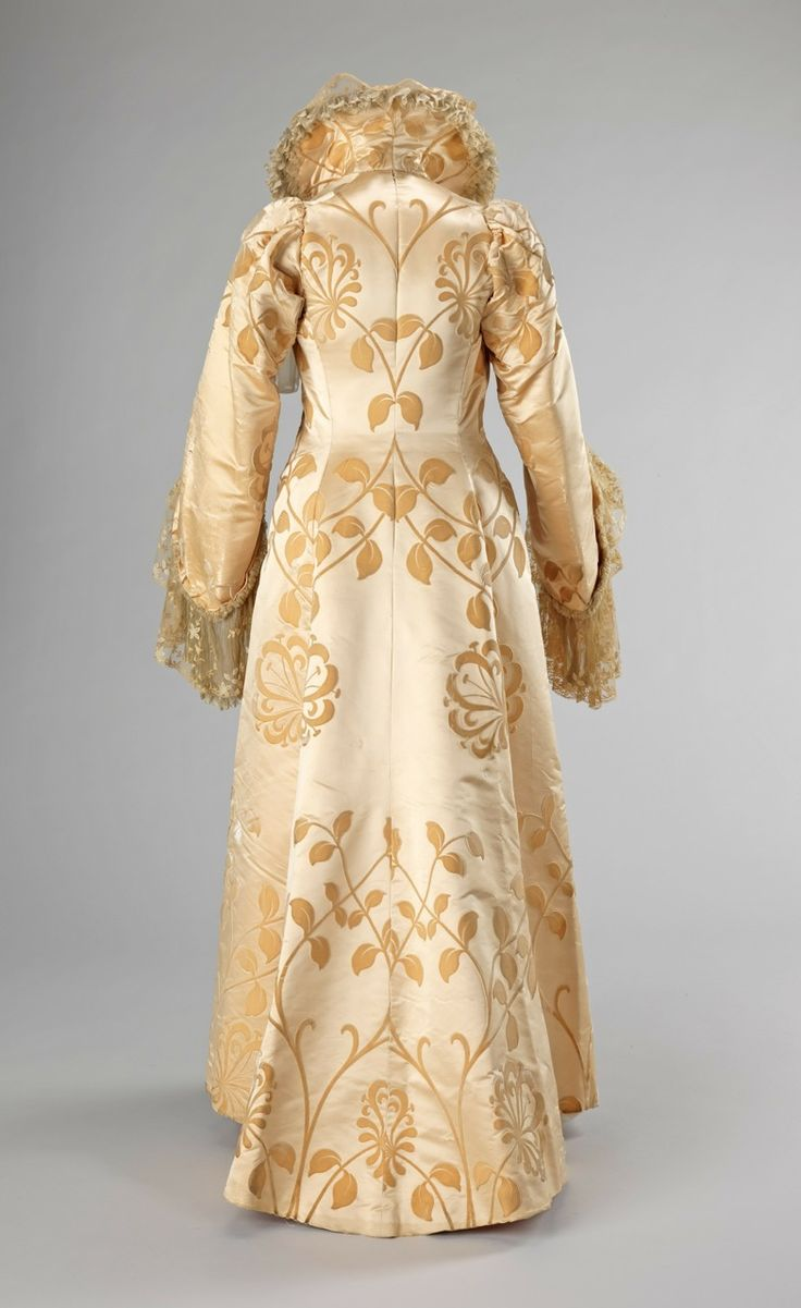 Evening coat House of Worth. Jean-Philippe Worth. Ca. 1902. French. Silk.