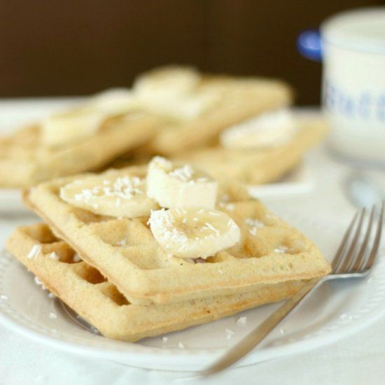 One bowl almond flour waffles that come out perfectly crispy every ...