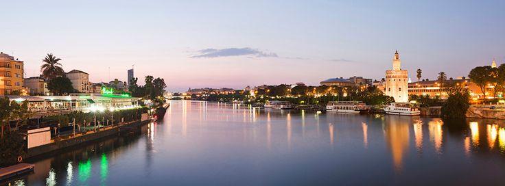 Vista del Guadalquivir desde el Puente de San Telmo  http://riogrande-sevilla.com/
