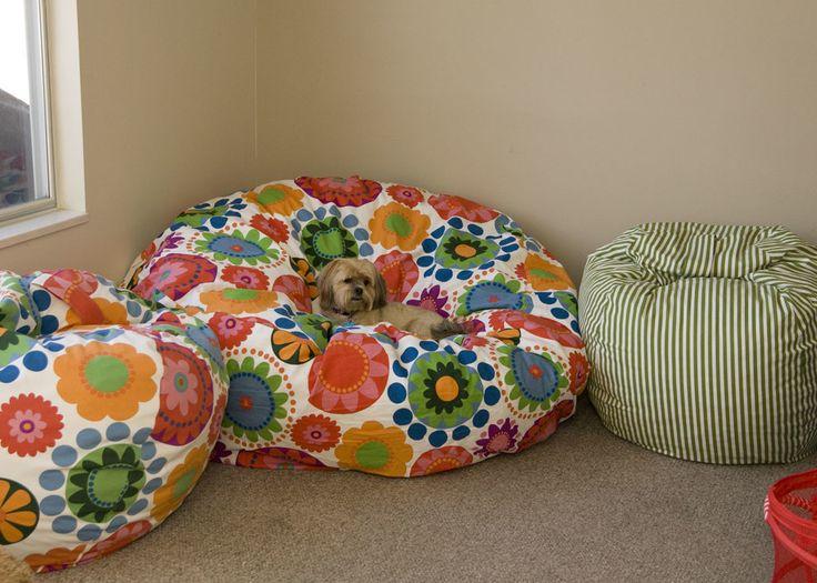 sitzsack selber machen in ein paar schritten n hen. Black Bedroom Furniture Sets. Home Design Ideas