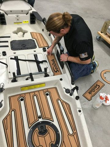 Greg Kroger and Mark Breezley knock out another Hobie kayak project with Seadek non slip marine products!  Check it out ...     Greg and Mark demonstrate step by step the process that went into SeaDeking the Hobie PA-14. Take a look ...