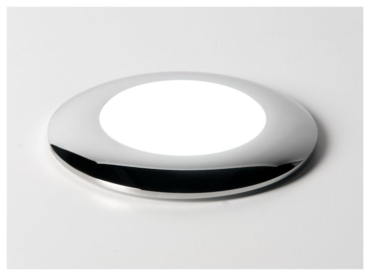 Exterior LED light made of stainless steel. IP65.