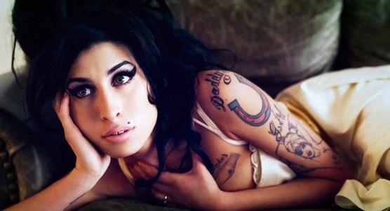 """""""Eu sinto que preciso escrever este livro para contar a verdadeira história de Amy e me recuperar"""", disse Mitch Winehouse, pai da cantora Amy Winehouse, no começo desta semana. Indiscutivelmente, ele é a melhor pessoa para falar sobre a estrela..."""