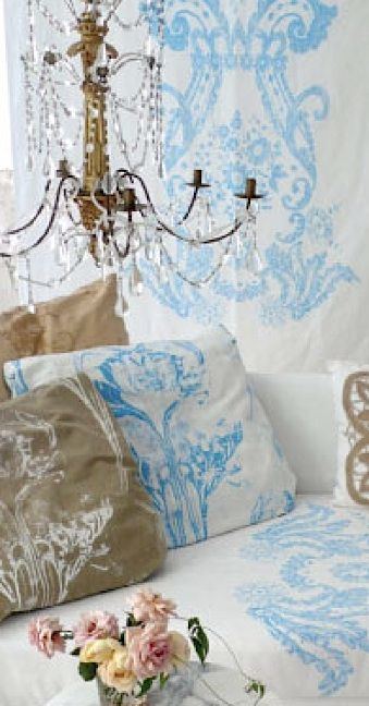 preparing a beautiful bed: Cool Pillows, Zsa Zsa Bellagio, Shabby Chic, Beautiful, French Country, Carolyn Quartermaine, Painting Fabrics, Bedrooms Decor, French Style