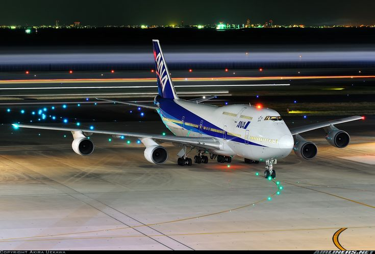 Boeing 747-481D aircraft picture