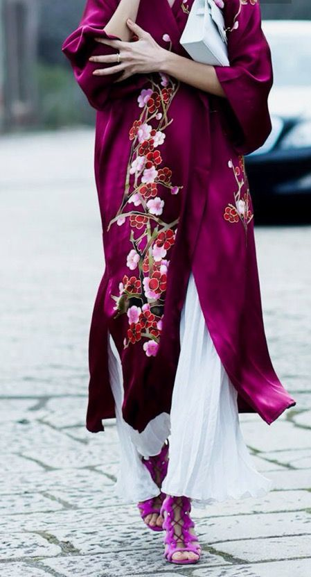 I will never ever tired of this look. Silk Kimono's will start to filter onto the streets very soon....x