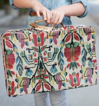 .: Embroidery Patterns, Travel Bags, Old Suitca, Girls Generation, Prints Suitca, Girls Prints, Overnight Bags, Carpets Bags, Accessories