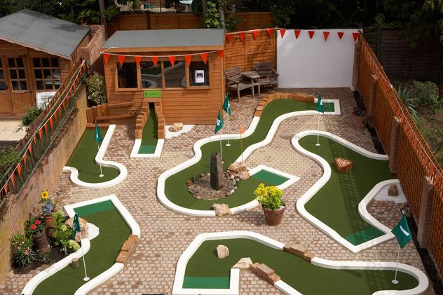 backyard mini golf layout by urban crazy diy backyard mini golf course pinterest golf. Black Bedroom Furniture Sets. Home Design Ideas