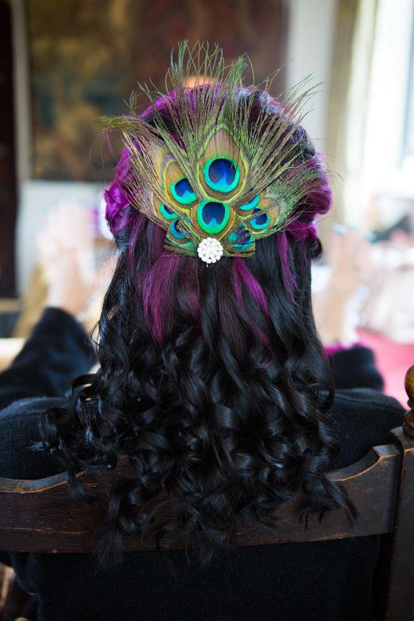 #peacockfeathers #peacockhairdetail #jewelcolours #weddingphotography #brentjonesphotography #kingjohnshouse #larmertreegardens