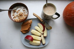 This makes me look forward to autumn…Delicious Healthy, Eating Right, Healthy Breakfast, Healthy Eating, Apples, Healthy Food, Peanut Butter, Raw Dinner, Dinner Recipe