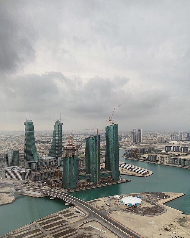 سماء البحرين تصوير ماجد بن يوسف البحرين الكويت السعودية الإمارات دبي عمان فعاليات البحرين السياحة في البحرين New York Skyline Skyline New York