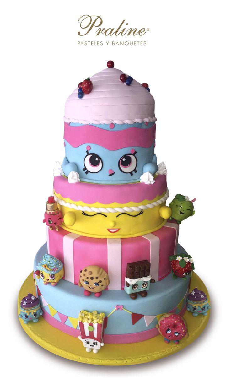 Divertido y delicioso pastel de Shopkins para mis XV años.