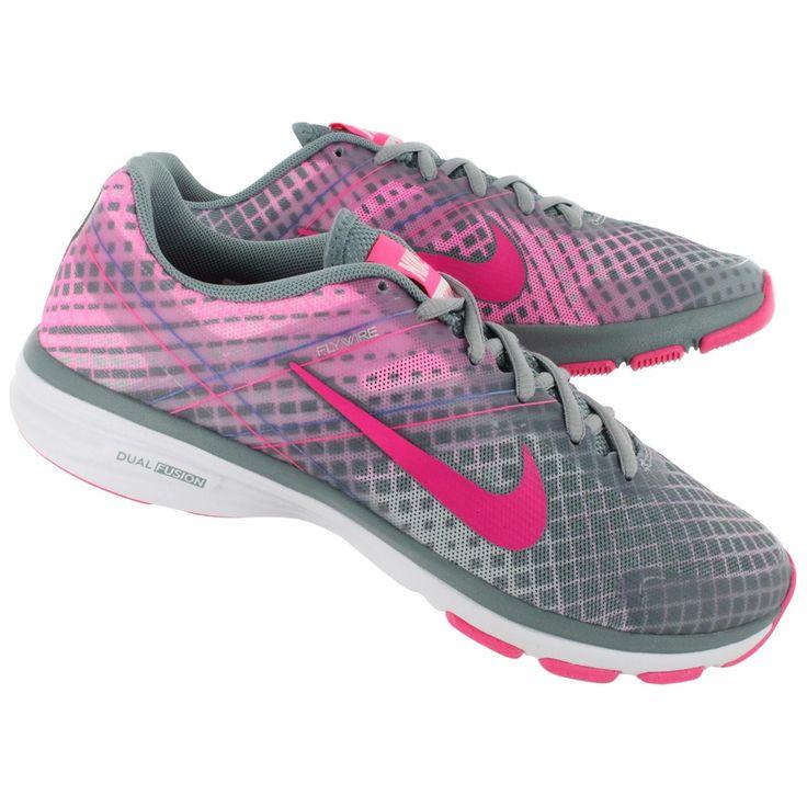 Sepatu Fitness Wanita Nike Dual Fusion Training adalah sepatu fitness dengan mesh lembut bergaya atletik. Memiliki warna yang variatif untuk menghiasi setiap hari. Upper bagian depan yang rendah dengan bantalan depan yang empuk membuat setiap traksi menjadi lebih nyaman
