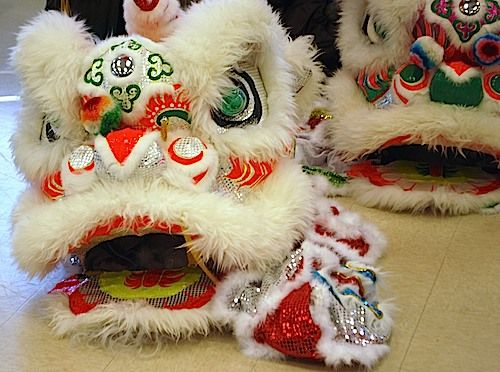 Awesome! Complete lesson plan for Chinese New Year with props and stories. (preK-elem)