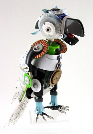 Animal sculptures using old electronics parts..by Ann Smith  http://13forest.com/annsmith)