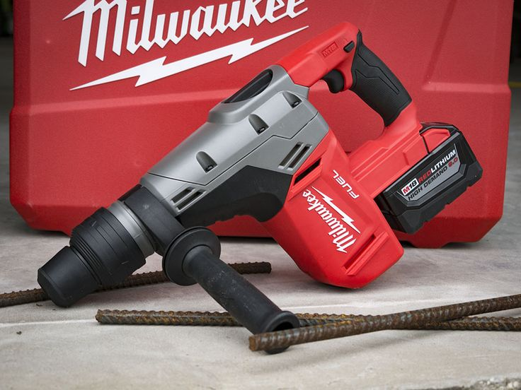 When it's impossible or inconvenient to use a cord, Milwaukee's M18 Fuel SDS Max Rotary Hammer steps in to cover anything the 1-9/16-inch class can do. While it may give up some impact energy to corded models, it's not out of its depth.   #MilwaukeeTool #NBHD #rotaryhammer #SDSMax #concrete #masonry https://www.protoolreviews.com/trades/concrete/milwaukee-m18-fuel-sds-max-rotary-hammer-2-2/25537/