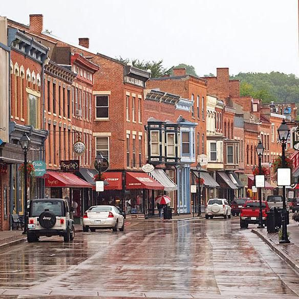Small town, Galena, Illinois offers visitors an untouched perspective of the picturesque town and antique lifestyle from 150 years ago. Read more on the Two Lanes blog!